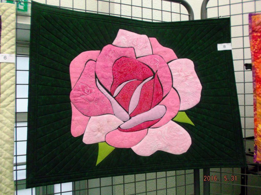 Mois de Juin, Mois de la rose, la rose dans tous ses éclats.
