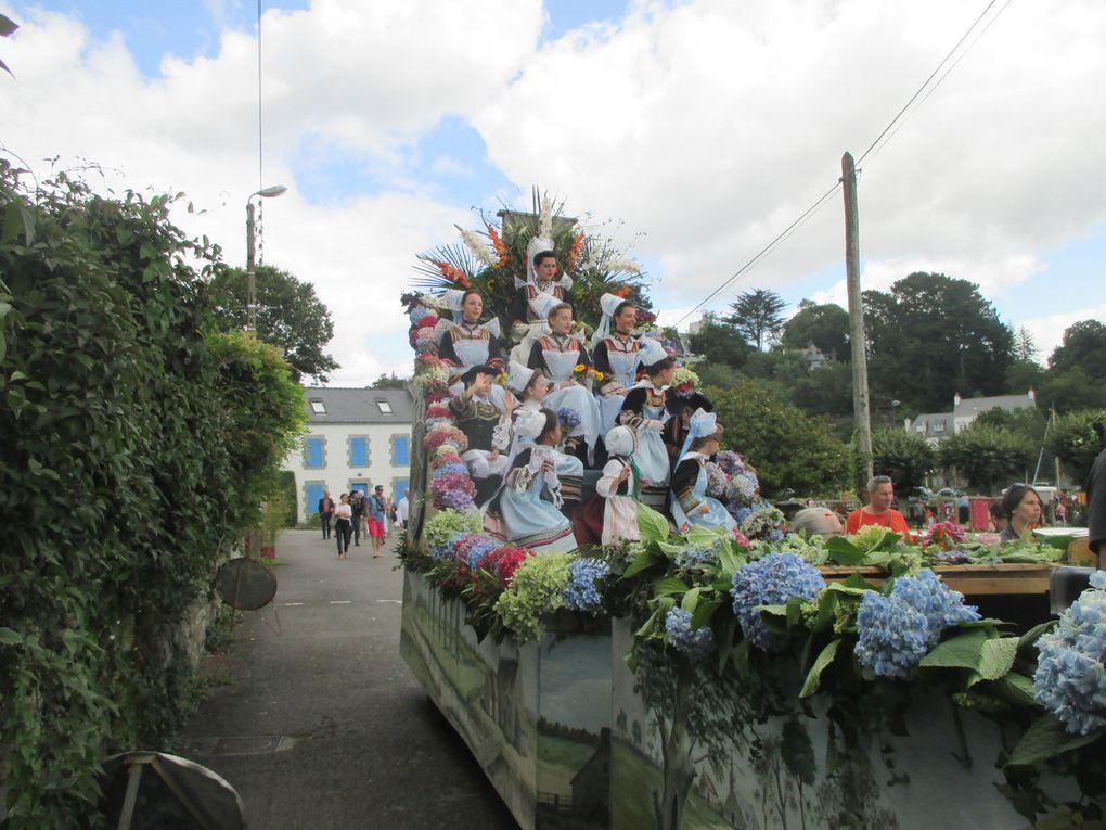 la fête des fleurs d''Ajonc de Pont Aven