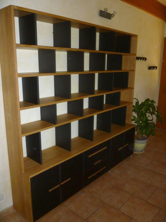 """Bibliothèque """"BricK"""" chêne et Valchromat noir"""