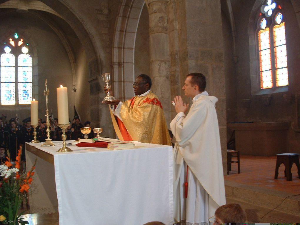 liturgie de Vatican II telle qu'on la met en oeuvre dans la paroisse de Villars les Dombes.(forme ordinaire du rite romain ).