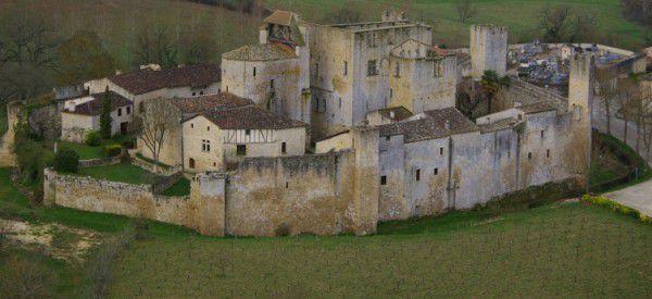 Camp médiéval avec des animations et des initiations aux techniques de l'Art de la guerre de siège.
