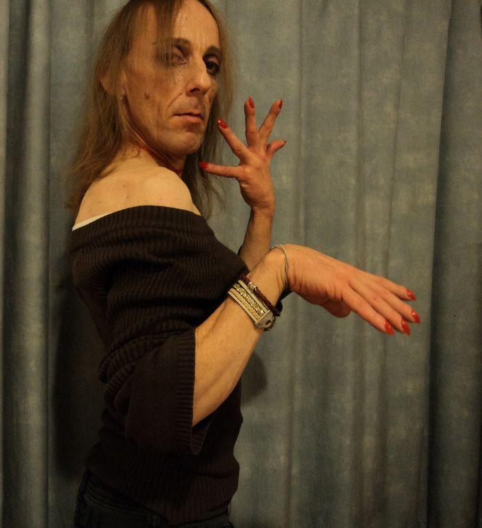 Le Théâtre de Violette ~ DIAPORAMA ROMAN PHOTOS ~ un avant-goût de mes improvisations de danseuse tour à tour drôle, coquine, émouvante et mystique!
