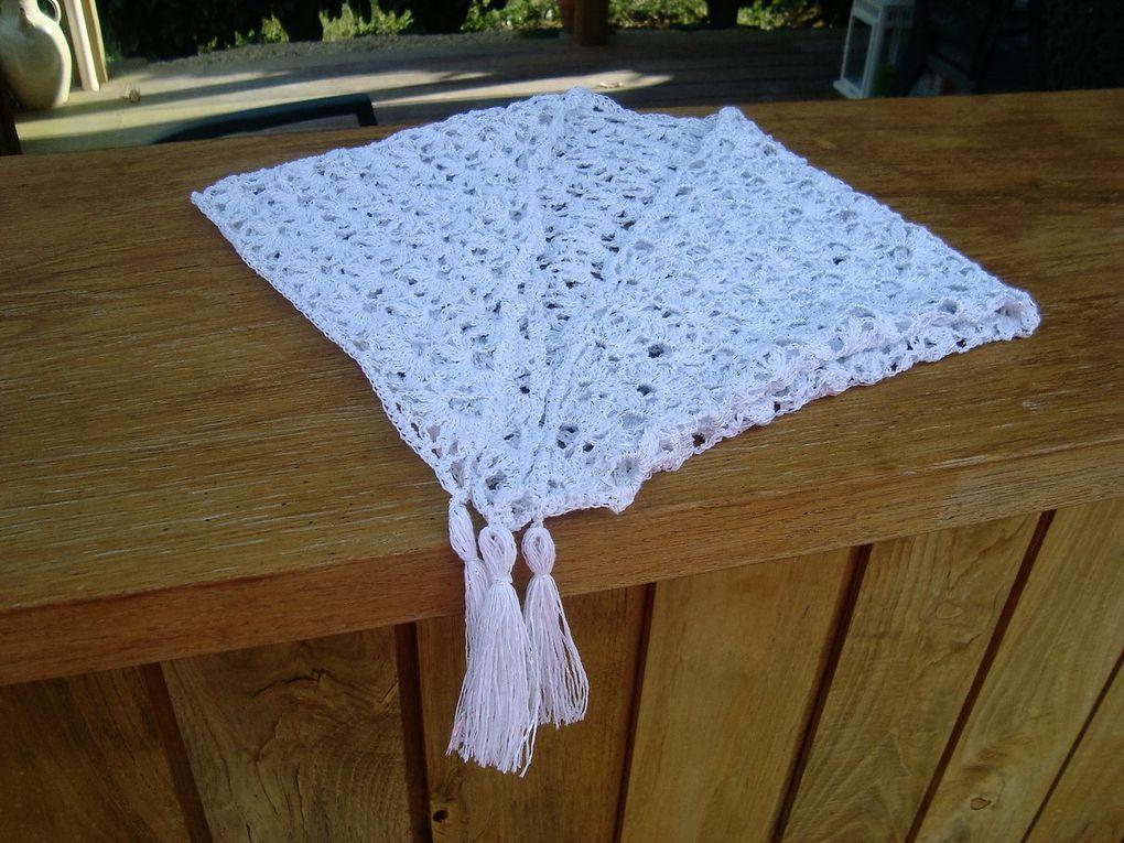 Châle Chèche Chauffe-épaule blanc crocheté en fil coton et fil argent