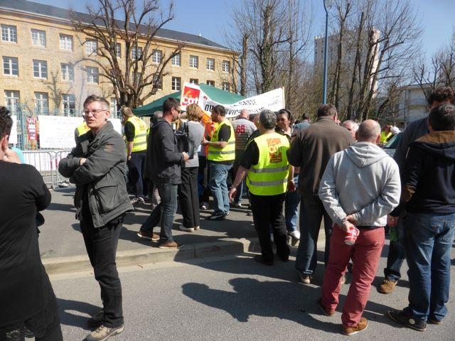 Conseil Départemental des Ardennes .... Mobilisation du 09 avril ... NON, Mr HURE nous ne sommes pas des Numéros