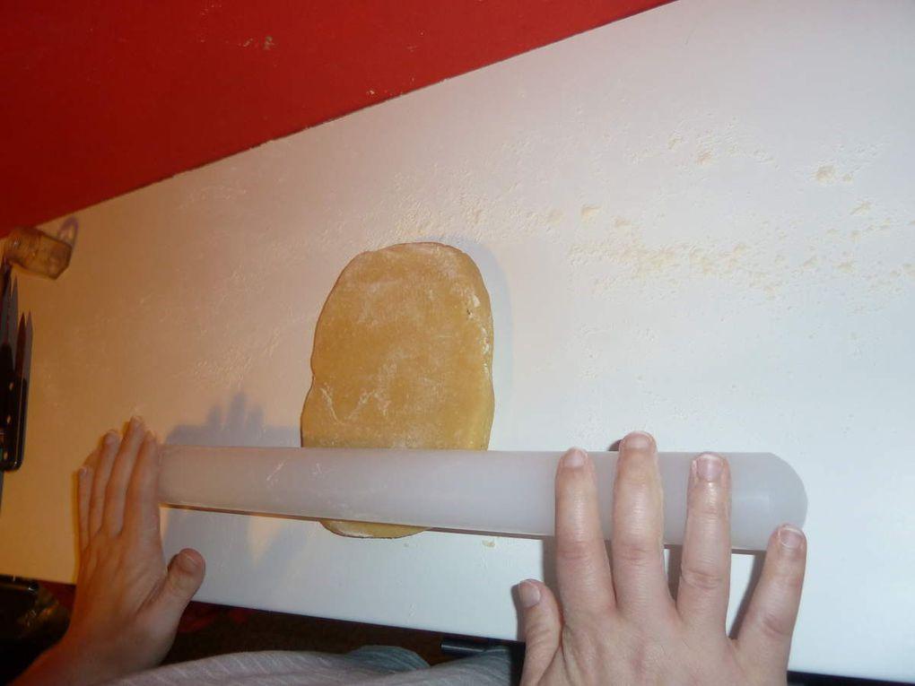 Étalage de la pâte sucrée