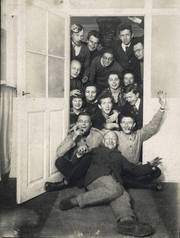 Walter Gropius,élèves du Bauhaus de Weimar ,Johannes Itten, Itten 1915,vitrail Albers,