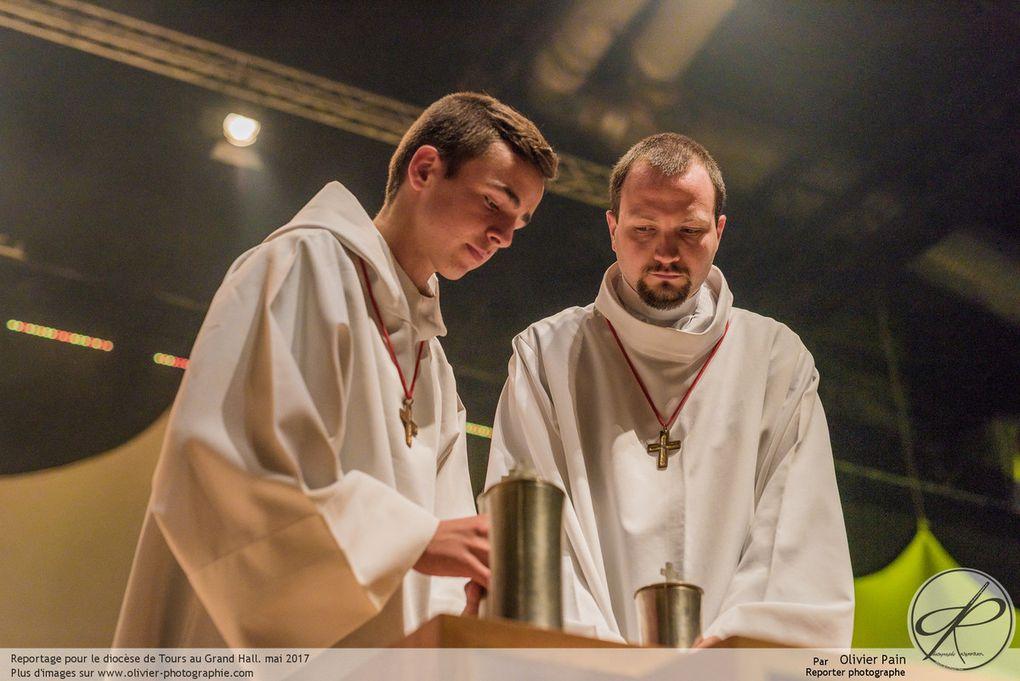 Reportage réalisé pour le diocèse de tours au grand hall lors de la cérémonie de cloture de l'année St Martin