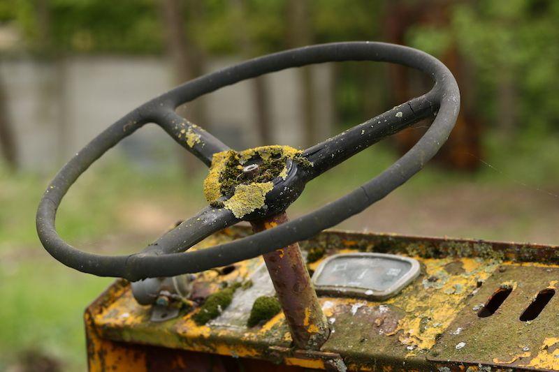 Pour les amateurs de vieilles mécaniques, un petit hommage à ce Clowez qui a fait son boulot d'élévateur pendant 40 ans (au moins...)