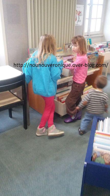 A la bibliotheque