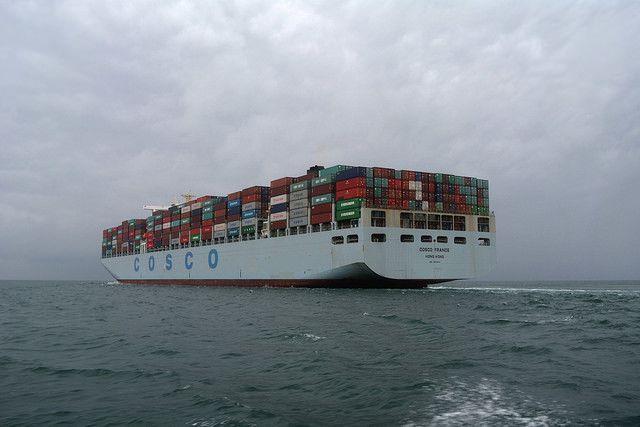 Le Cosco France devant Cherbourg
