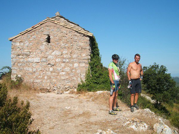 Vers l'ermitage de St Victor