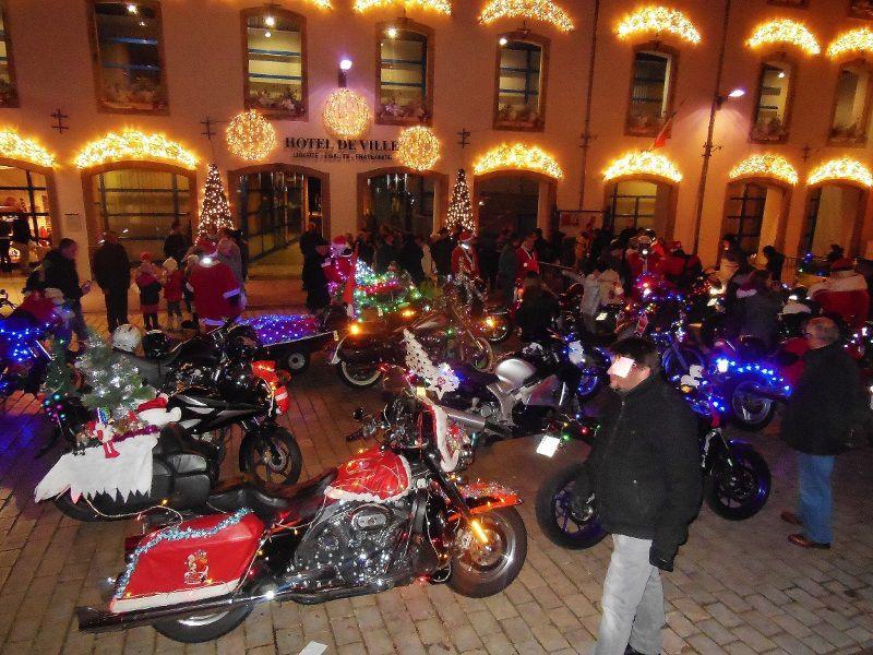 Pères Noël à moto - Ensisheim (68)