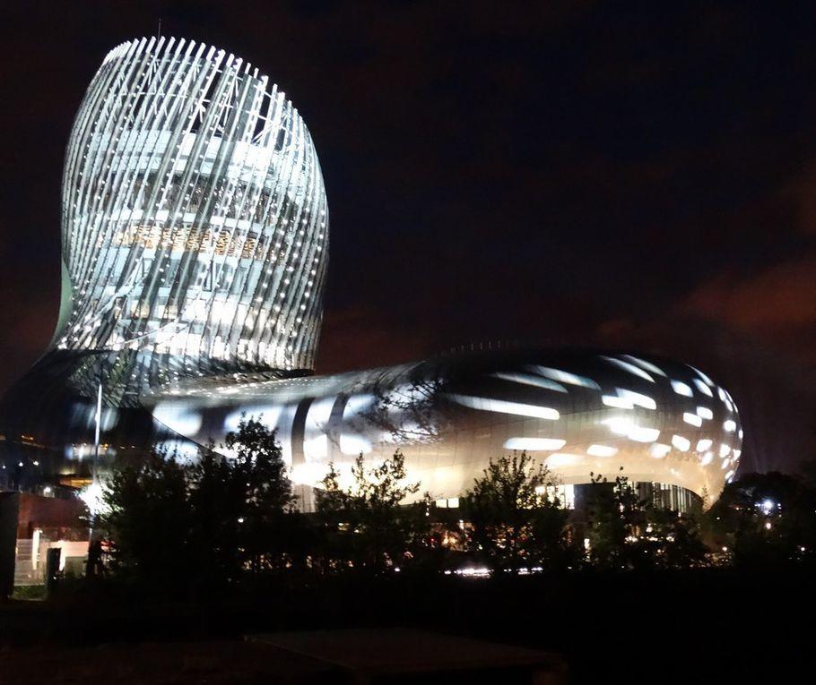 La Cité du Vin dans ses habits de lumière...