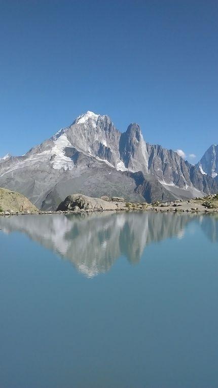 Le Lac Blanc et son refuge, belvédère SOMPTUEUX sur le Mt Blanc, l'aiguille Verte, les Drus, les Grandes Jorasses, les aiguilles de Chamonix, l'aiguille du Midi ...Diaporama !