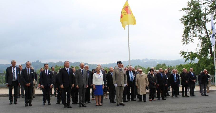 Le Parlement de Navarre et le Monument aux Morts de PAU