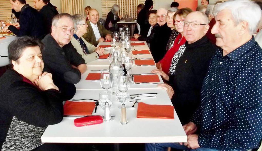 Quelques clichés autour des tables du Bistrot M à Mourenx....
