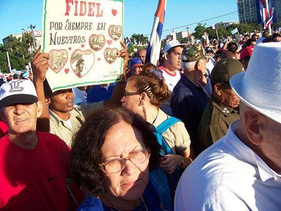2 Janvier à La Havane - Place de la Révolution marche du peuple résistant
