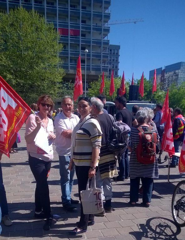 Gérard Collomb interpellé par les salariés de la santé et les citoyens en colère !