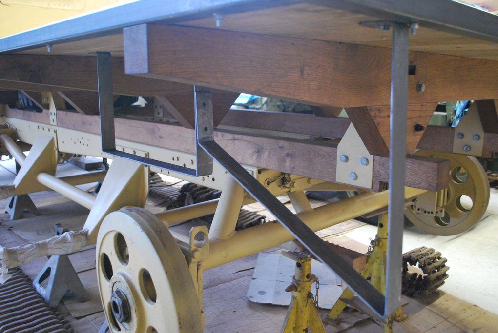 bois et pentures, contre penture, arceaux de caisses sous plancher .