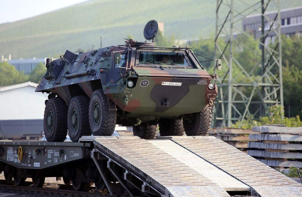 Tag der Bundeswehr am 11. Juni in der Veitshöchheimer Kaserne - Spektakuläre Bahnentladung von Panzern