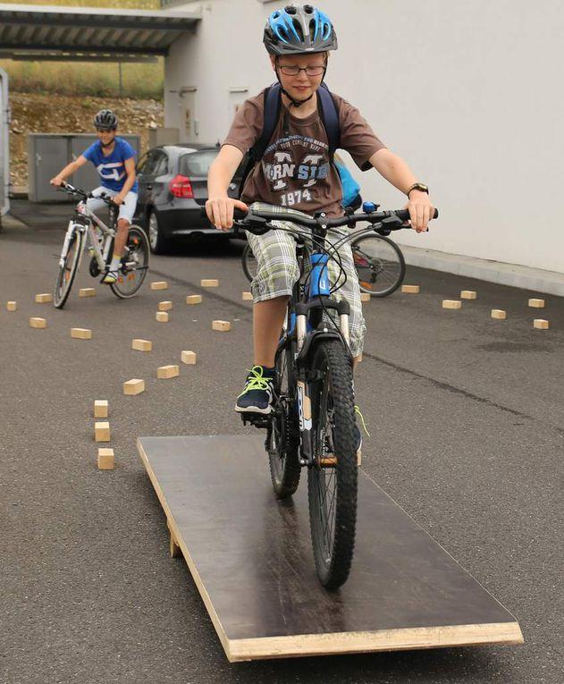 Aufgebaut war auch ein Geschicklichkeits-Fahrradparcours für die Kinder.