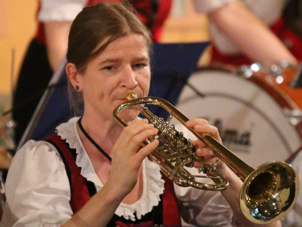 nun vollständig: Musikverein Veitshöchheim brillierte im HdB mit neuem Programm
