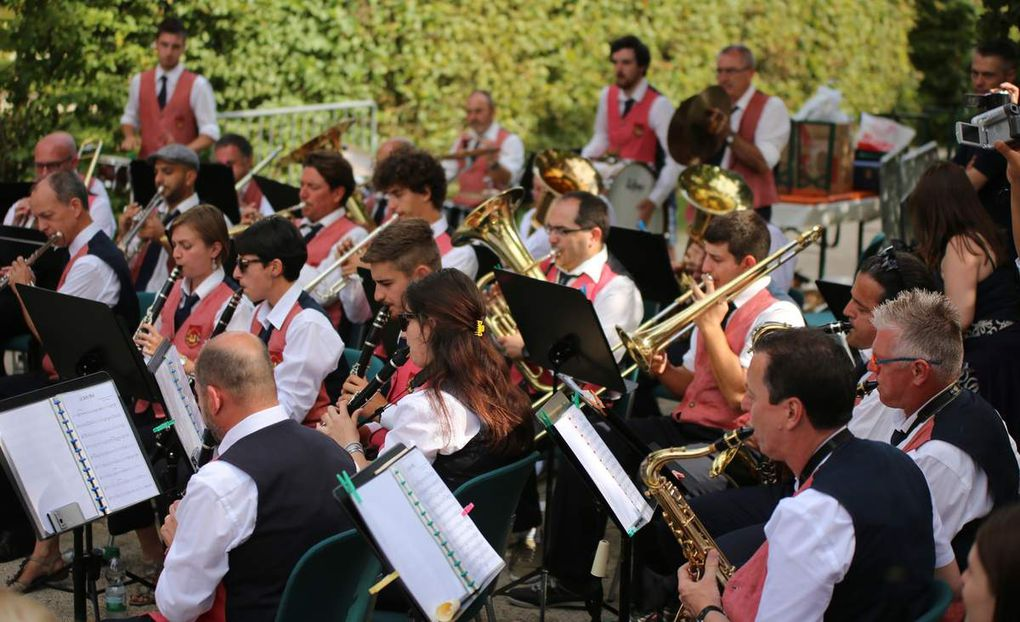Blasorchester aus Veitshöchheims Partnerstadt Greve in Chianti begeisterte beim Rokokogarten-Weinfest
