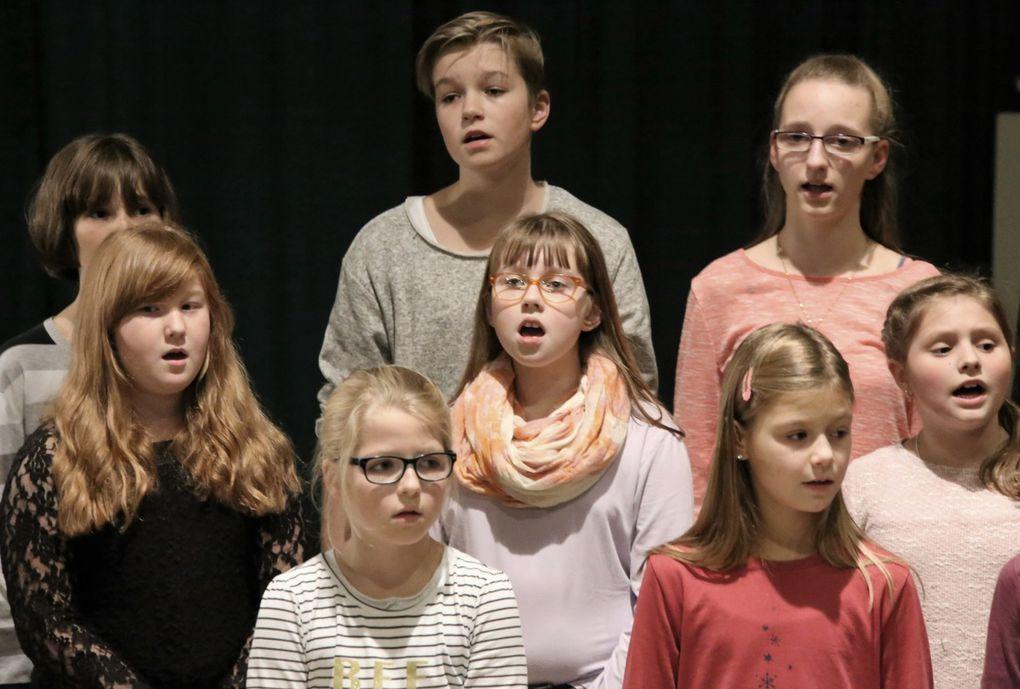 """Gänsehautfeeling erzeugte """"Streets of London"""" wunderschön gesungen vom Jugendchor und einer Kinderchorgruppe."""