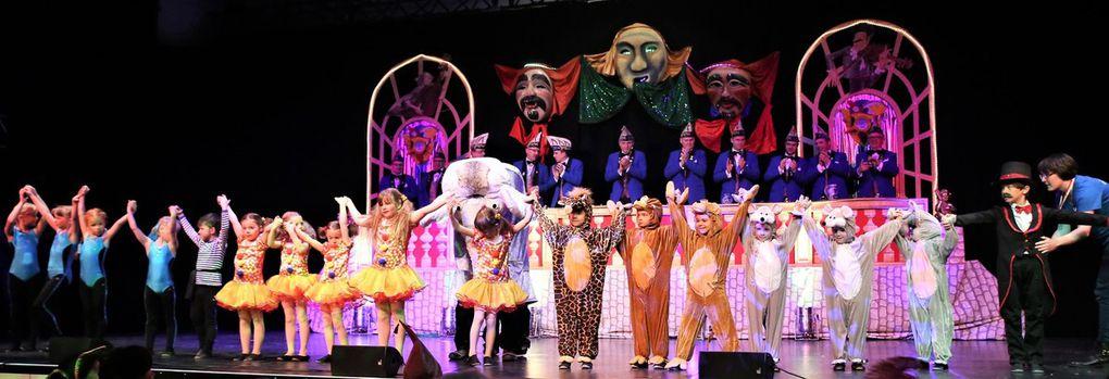 Sechsstündiges grandioses Spektakel voller Klaumauk, Jubel, Trubel, Heiterkeit bei der 1. VCC-Prunksitzung