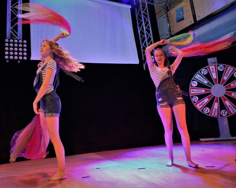 Das Sängerinnen-Duo bestach mit einer tollen Performance beim Jonglieren