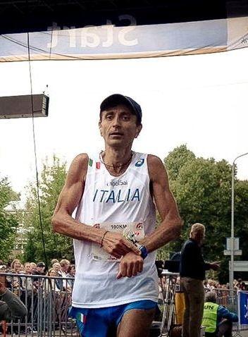 Campionato del Mondo IAU 100 km 2015. Colpo di scena nella classifica finale a squadre: squalificata per un'irregolarità il team russo, va all'Italia l'Argento Mondiale ed Europeo a squadre