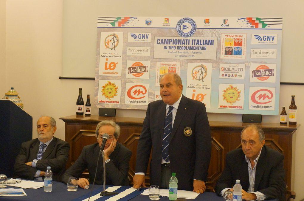 Campionato italiano in tipo regolamentare (Iole da mare) 2015. Oltre 700 atleti hanno risposto all'appello e si contenderanno i titoli tricolori delle specialità nelle acque di Mondello