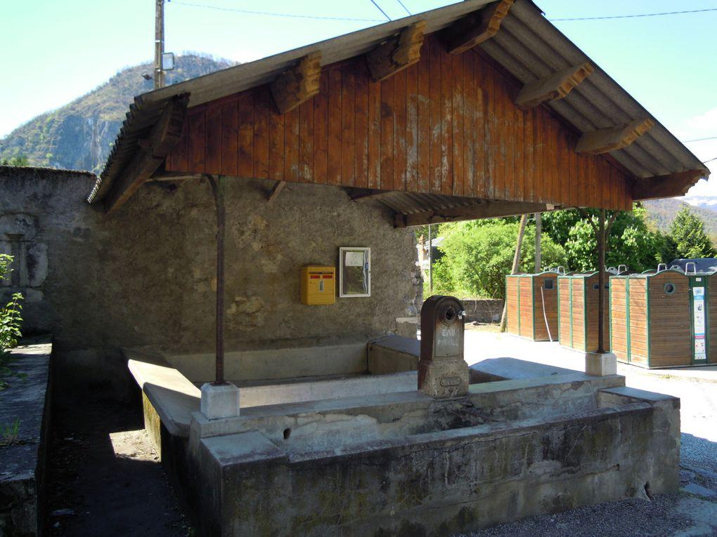 Lavoirs à EUP - Petit village proche de l'entrée du Tunnel qui contournera St-Béat