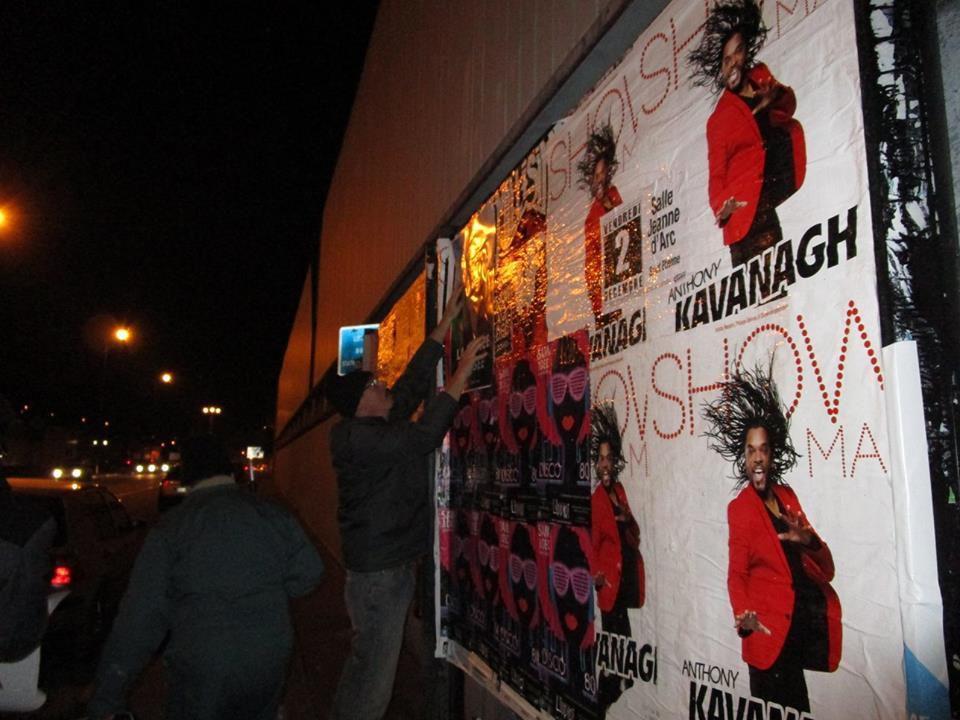 Saint-Etienne : soirée collage au grand air, rien de tel pour militer !