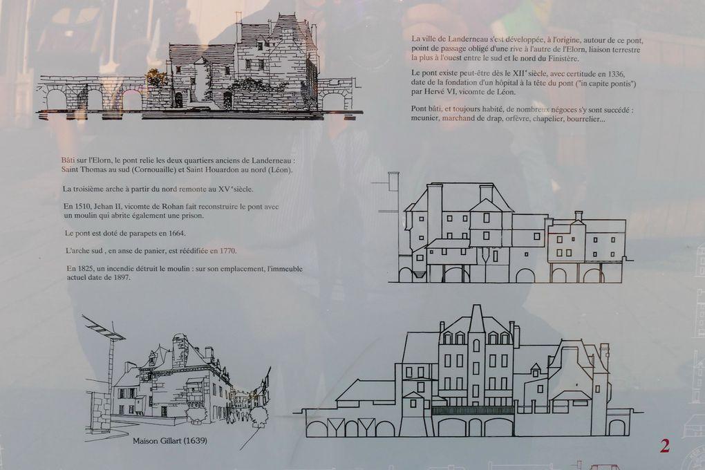 Panneau affiché sur le pont de Landerneau, et exposition extérieure 2016,  photographie lavieb-aile.