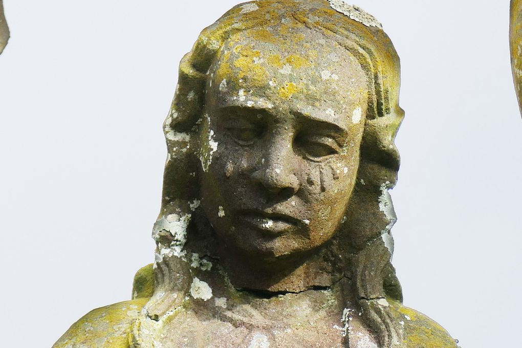 Sainte Marie-Madeleine (Bastien Prigent),  calvaire de l'église de Dinéault. Photographie lavieb-aile, février 2017