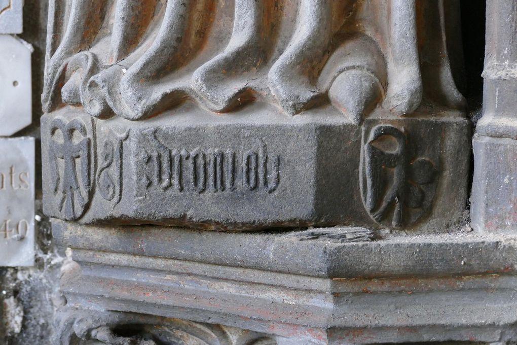 Sainte Catherine d'Alexandrie, Kersanton, Atelier du Maître du Folgoët (1423-1433), angle sud-ouest de la chapelle de Coëtivy,  Collégiale du Folgoët, photographie lavieb-aile avril 2017.