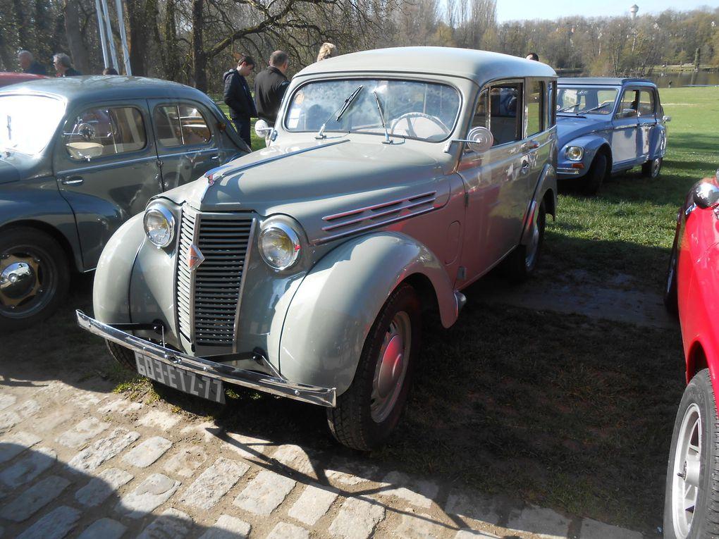 Pour un deuxième rassemblement au Château de Grouchy, nous avons comptabilisé 94 véhicules en ce beau dimanche ensoleillé d'Avril.