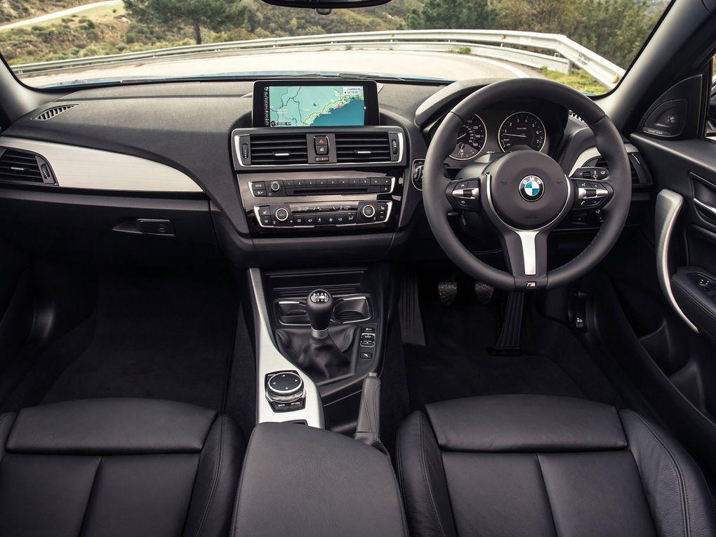 VOITURES DE LEGENDE (504) : BMW  SERIE 2  M235i CABRIOLET VERSION UK - 2015