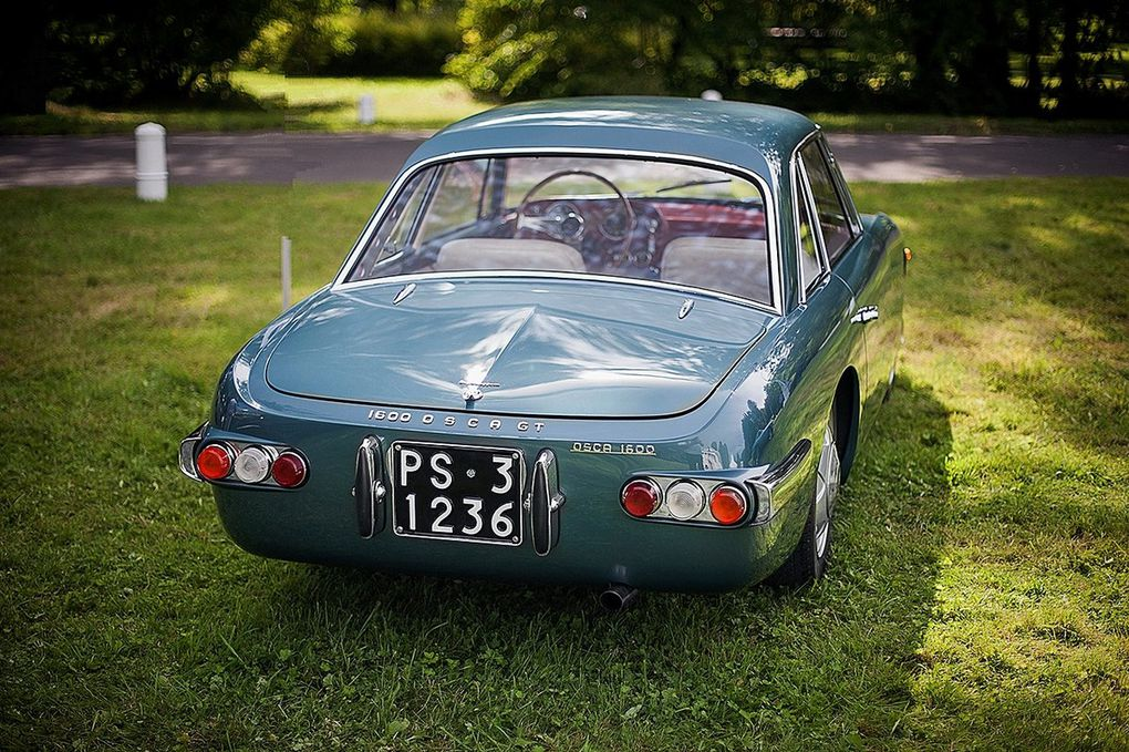 VOITURES DE LEGENDE (519) : OSCA  1600 GT  TOURING COUPE - 1961