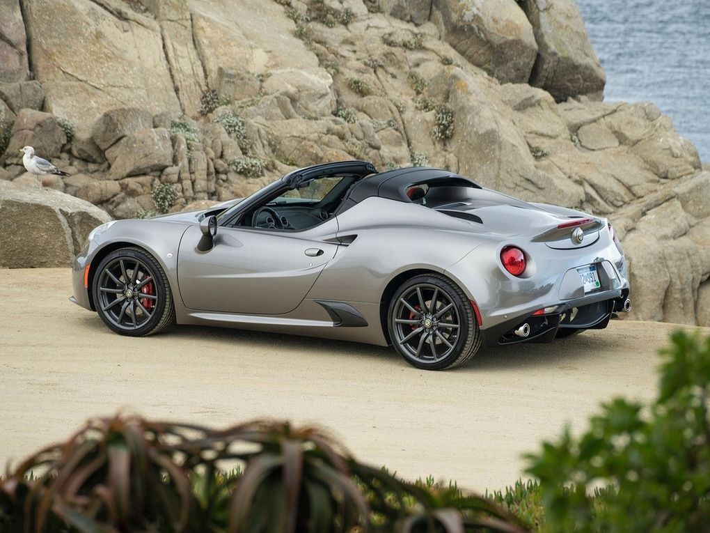 voitures de legende 528 alfa romeo 4c spider 2015 victor association. Black Bedroom Furniture Sets. Home Design Ideas