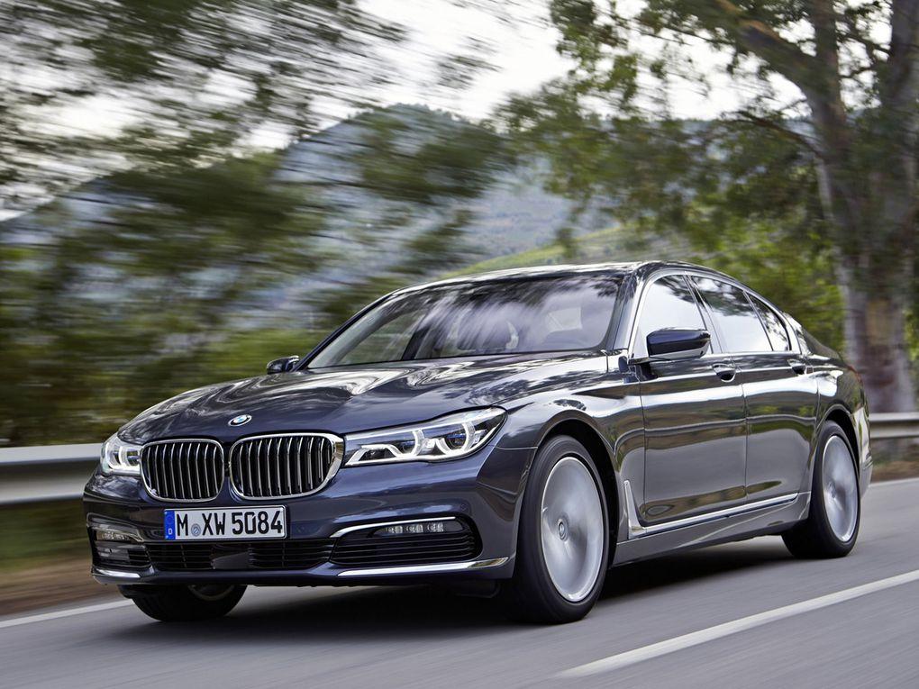 VOITURES DE LEGENDE (566)  BMW  SERIE 7 - 2016