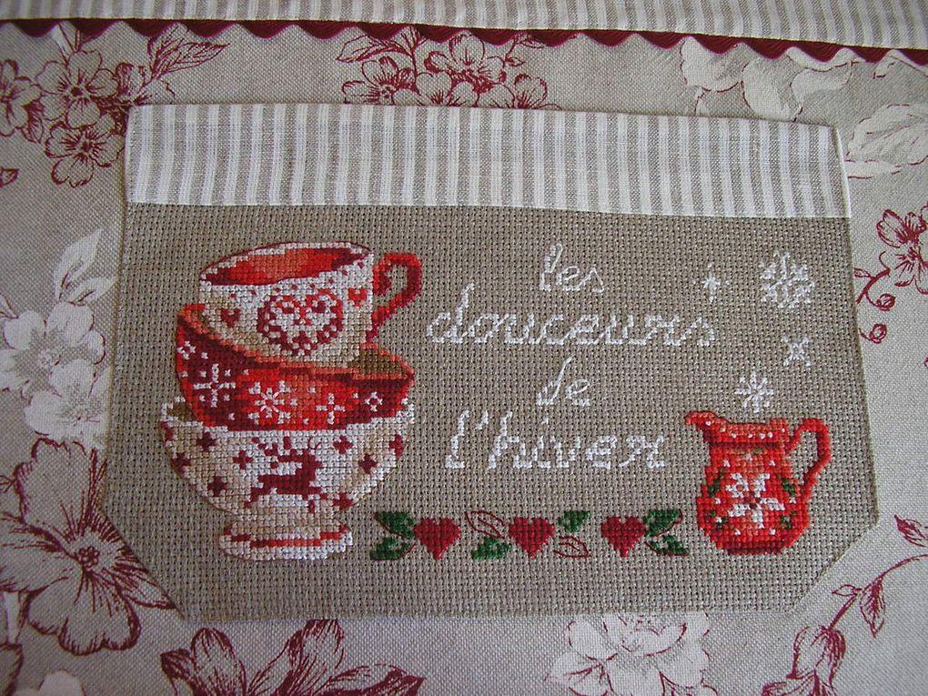 Demi-tablier &quot&#x3B;Saint-Honoré&quot&#x3B;,&quot&#x3B;Cherry&quot&#x3B;,&quot&#x3B;Alpages&quot&#x3B; et &quot&#x3B;Hortensia&quot&#x3B; des Brodeuses Parisiennes