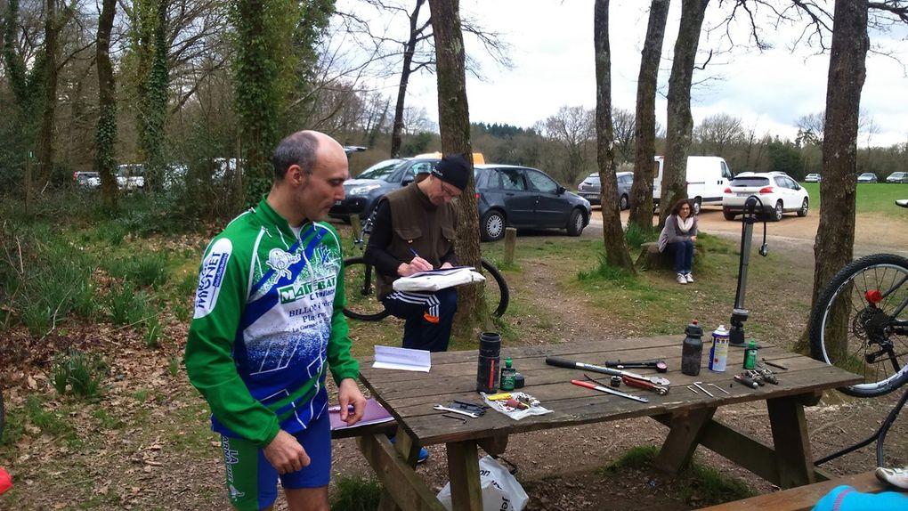 Stagiaires BF1 Animateur Vtt Ufolep Vendée au bois des Girondins près de La Roche/Yon