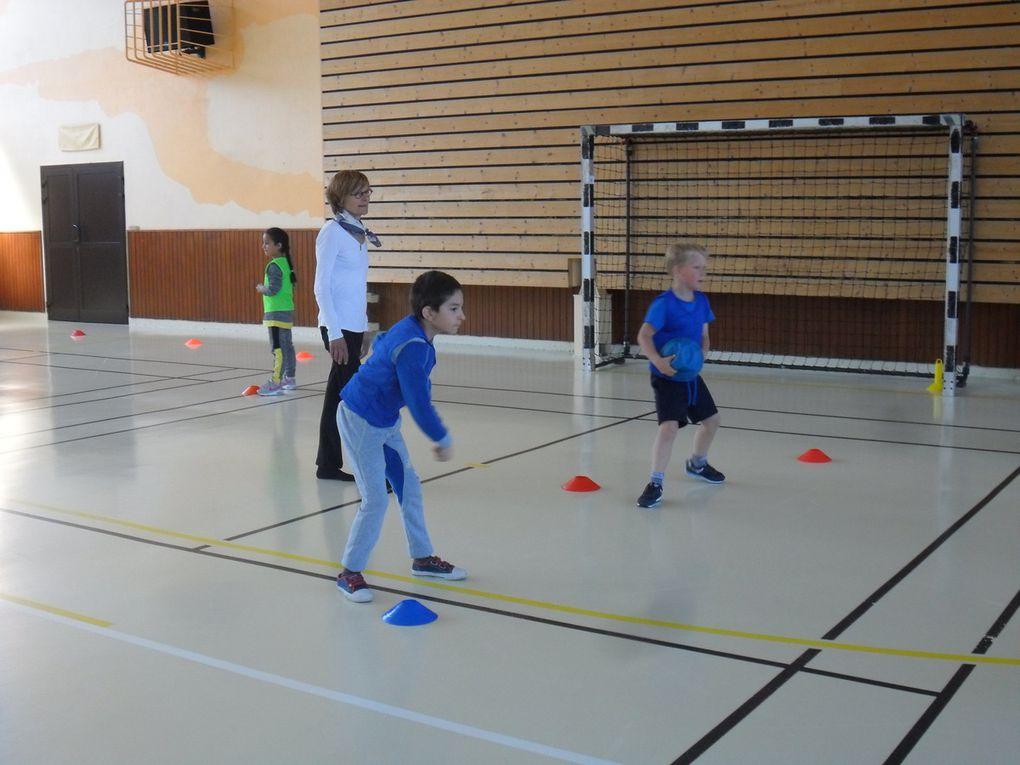Rencontre USEP jeux de ballons à St Pierre