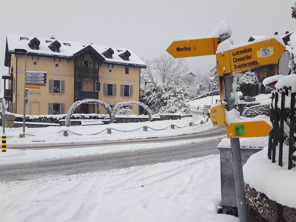 Il est tombé entre 10 et 15 cm de neige fraîche à Monthey du 12 au 14 janvier 2017. Profitez-en !