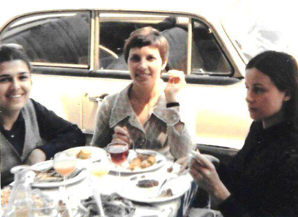 Images de mon arrivée à Nice. Mon père et deux collègues de bureau