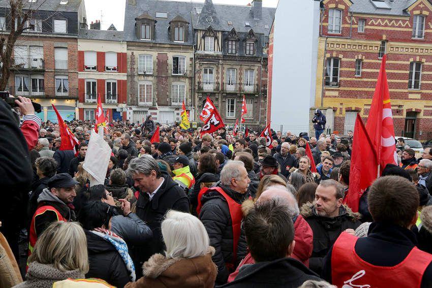 2000 personnes à Dieppe contre le projet de loi travail !
