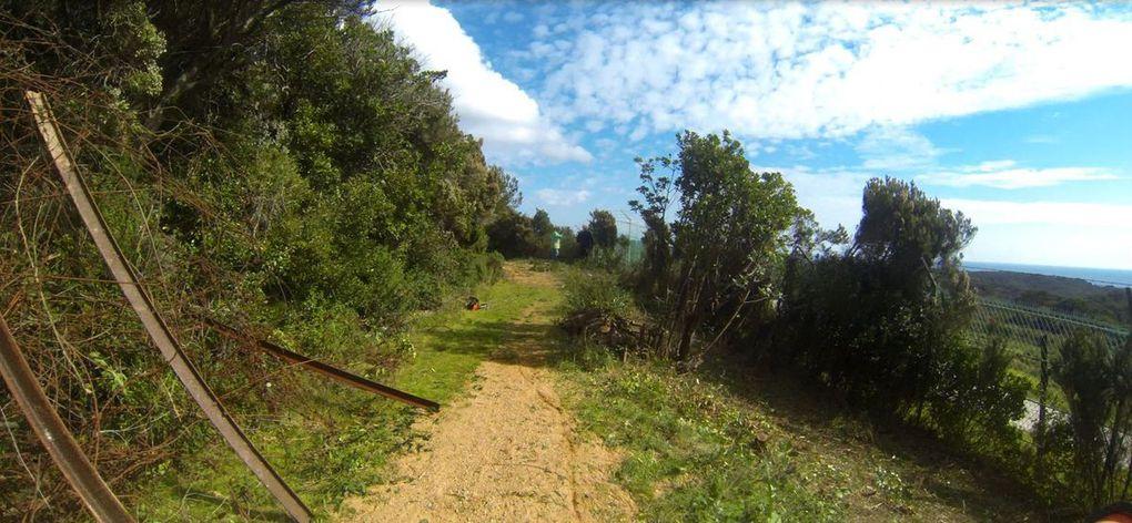 Chemin de ronde - Réserve naturelle des Arbousiers - Domaine naturiste d'Héliopolis