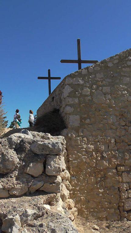 Quelques vestiges reconnaissables... et la Chapelle
